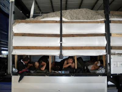 Ηγουμενίτσα: Είχαν κρυμμένους στο φορτηγό 6 μετανάστες