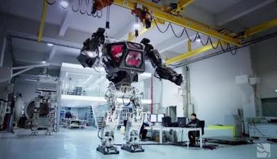 Robot Raksasa Berawak Sedang dibuat di Korea Selatan