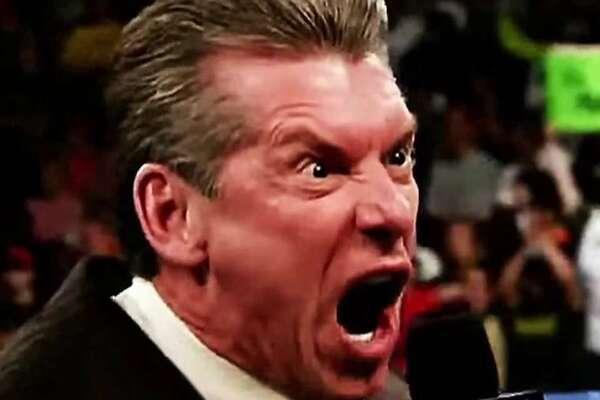 تقرير: مزاج فينس مكمان السيء أصبح محل سخرية ومزحة متداولة بين موظفي WWE