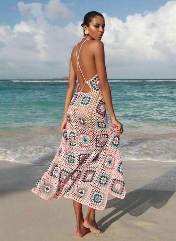 szydełkowa suknia plażowa