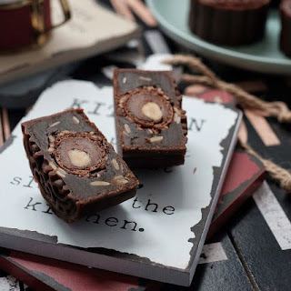 banh-trung-thu-hien-dai-tiramisu-moon-cake-3