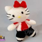 http://tejiendoconchico.blogspot.com.es/2016/02/hello-kitty-19-futbolista.html#more