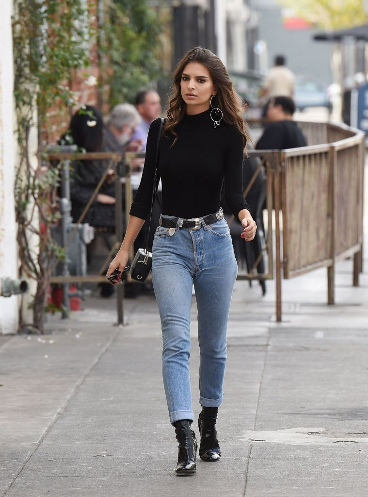 Emily Ratajkowski Style Out in Jeans in Los Angeles