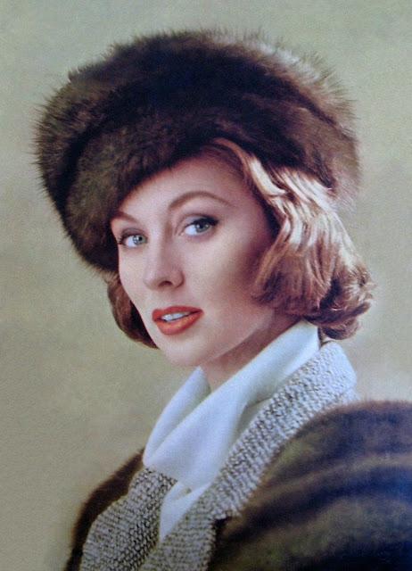 1959. Suzy Parker