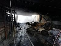 Общая площадь пожара составила 131 квадратный метр, погибших и пострадавших нет.
