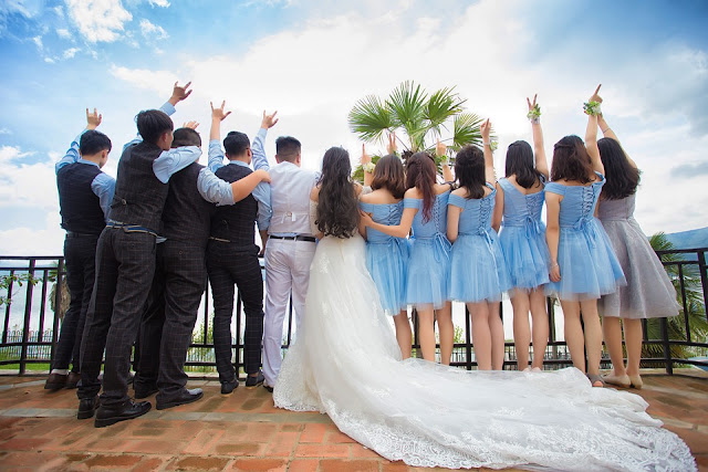 Free To Use Bridal-Party Photo