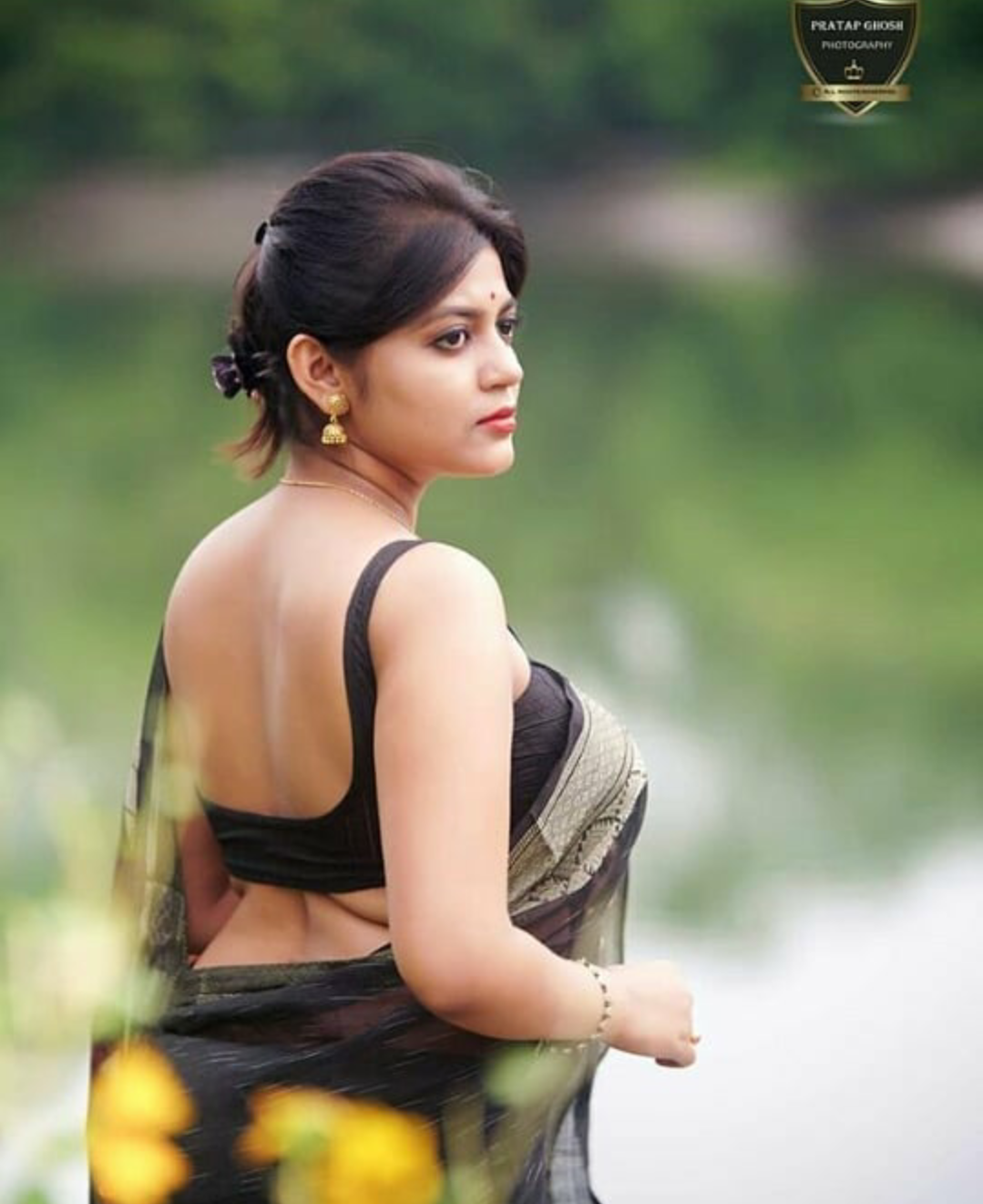 Bengal Beauty Triyaa Das- Stunning Saree Photo Gallery