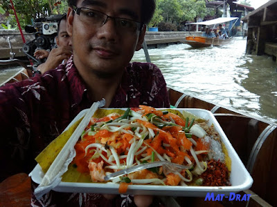 PAD THAI Halal Food Bangkok Damnoen Floating Market