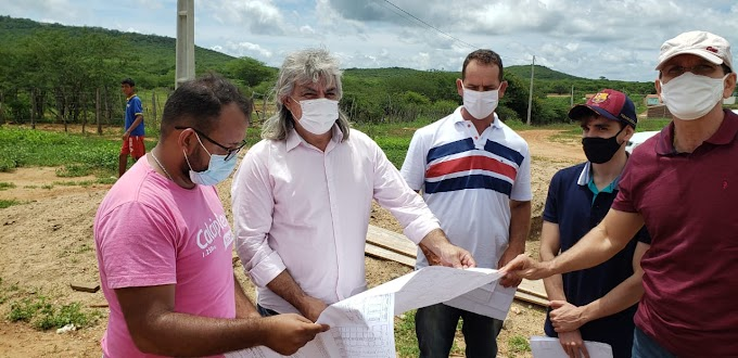 Prefeito Inácio Nóbrega fez vistorias em obras pela cidade