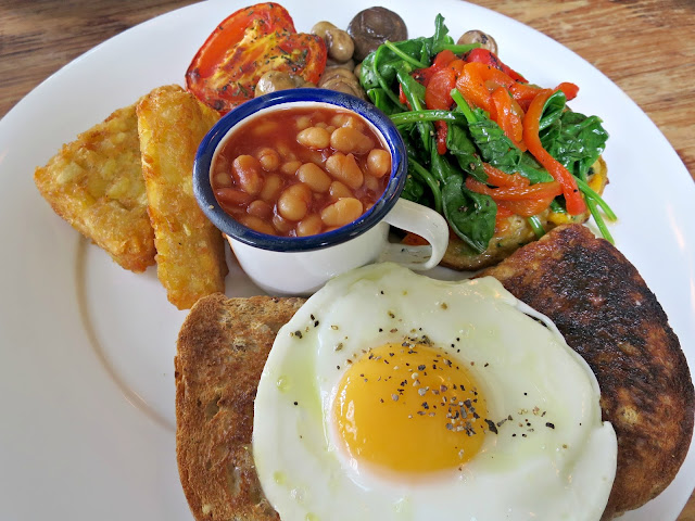 Verano Lounge Vegetarian Breakfast