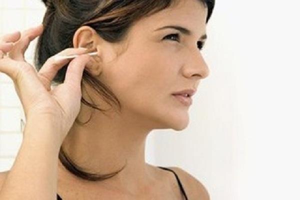 Ngứa tai liên tục mang điềm gì và có nguy hiểm không?