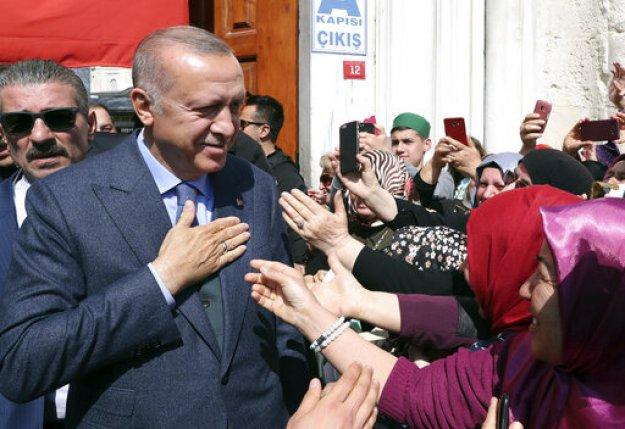 Νέα καταμέτρηση των ψήφων στην Άγκυρα και την Κωνσταντινούπολη