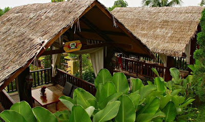 Saung Traditional