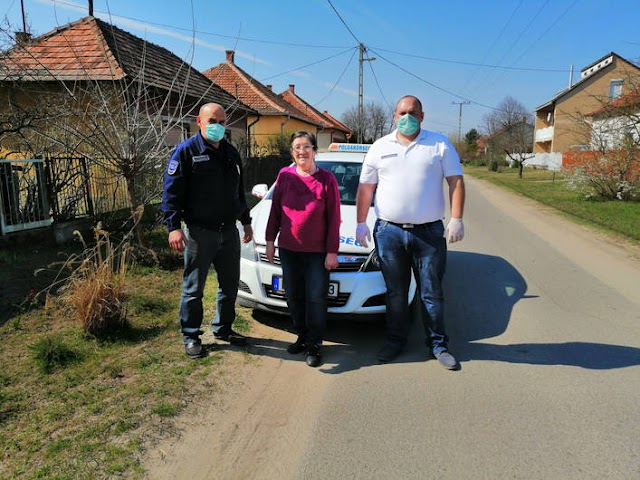 Polgárőrök vásárolnak be az időseknek Tiszajenőn