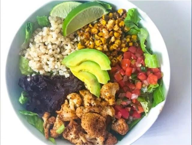 Roasted Cauliflower Burrito Bowls #vegetarian #healthy