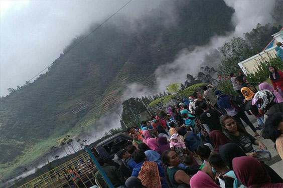 Akibat Letusan Kawah Sileri 17 Orang di Larikan ke Puskesmas Batur