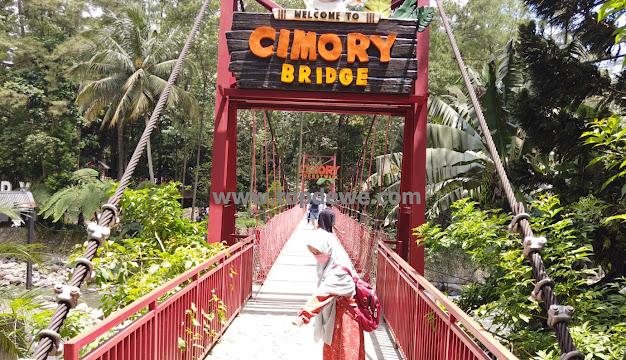 Jembatan Cimory Riverside bogor