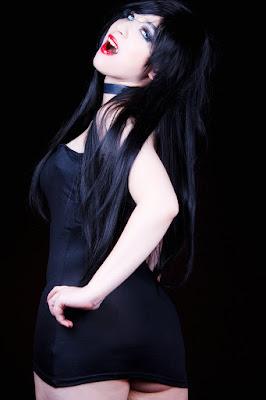 http://www.vampirebeauties.com/2018/07/vampiress-model-bianca-bordeaux.html