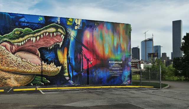 Uhd gator wall mural houston in pics for 6 blocks from downtown mural