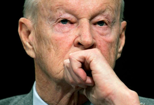 FILE PHOTO - Former National Security Adviser Zbigniew Brzezinski testifies before the Senate Foreign Relations Committee on Capitol Hill in Washington February 1, 2007. REUTERS/Jim Young/File Photo