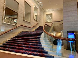 Grand staircase, Sheraton Towers Singapore
