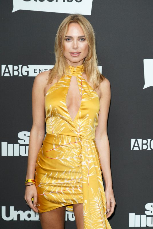 Kimberley Garner Clicks at Sports Illustrated -The Party in Miami 1 Feb-2020