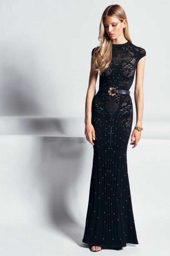 Models for black evening dresses for the end of the year