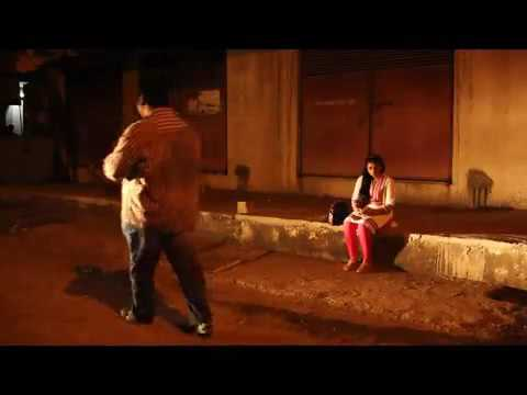रात में अकेली लड़की दिखाई दे तो कर दे ये काम - Akeli ladki ke saath aisa karen
