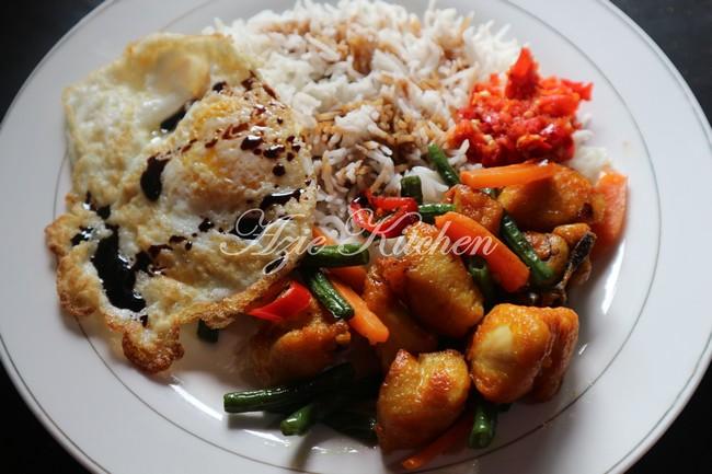 Nasi Ayam Goreng Kunyit Mudah dan Sedap - Azie Kitchen