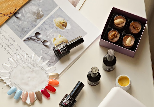 Lakiery hybrydowe Cosmetics Zone swatche
