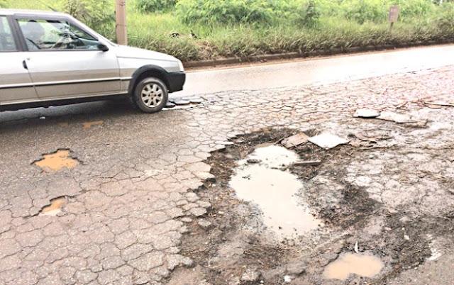 Chuva deixa estragos na MG020 em Santa Luzia