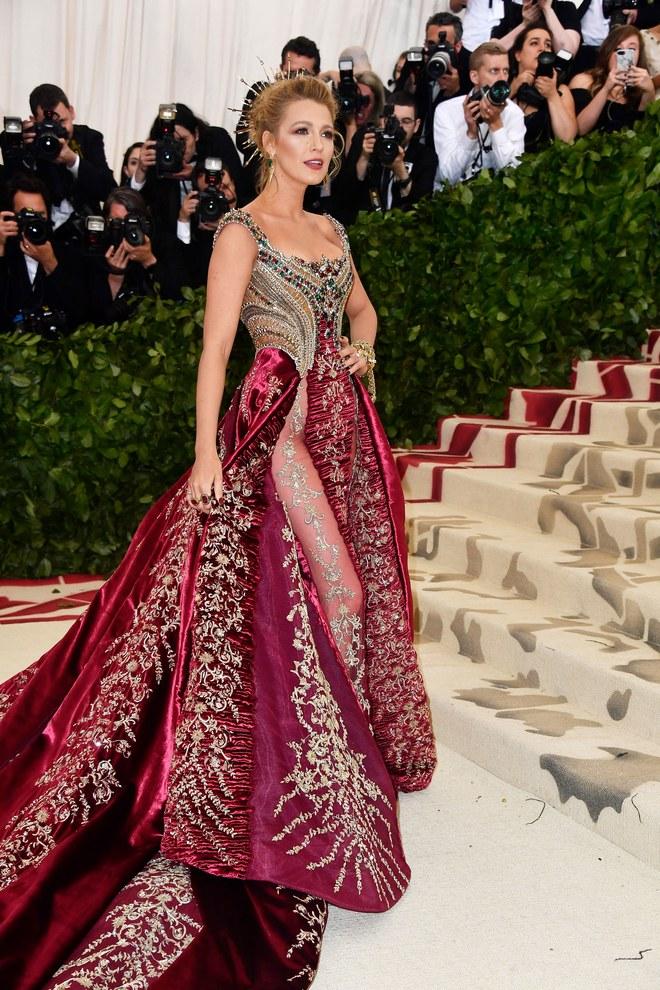 b2b442dd4429c 2018年メットガラ さすが海外セレブ⁉ ド派手なドレス姿を特集♡