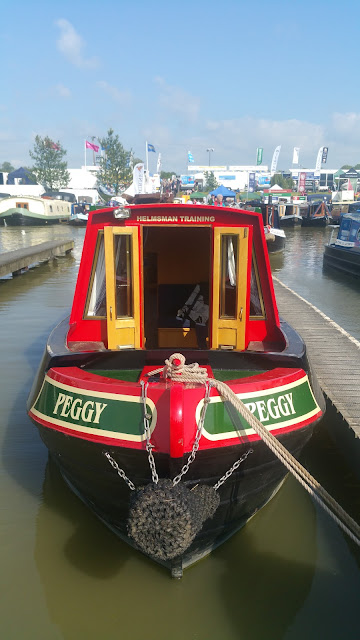 narrow boat life living on canal tips tricks information crick