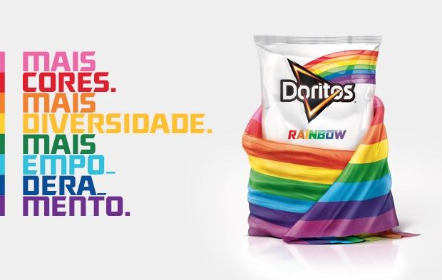 Por que a PepsiCo está tão desesperada em empurrar sua agenda gay às pessoas, os chips são (consumidos principalmente por crianças).