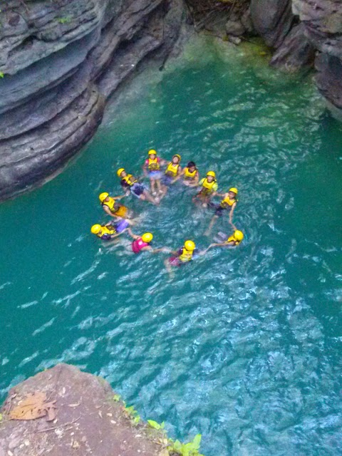 Canyoneering from Kanlaob River of Alegria to Kawasan Falls in Badian – Prices, Tour guides and Tips