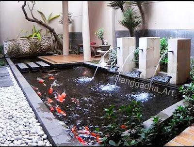 taman minimalis dengan kolam di lahan sempit