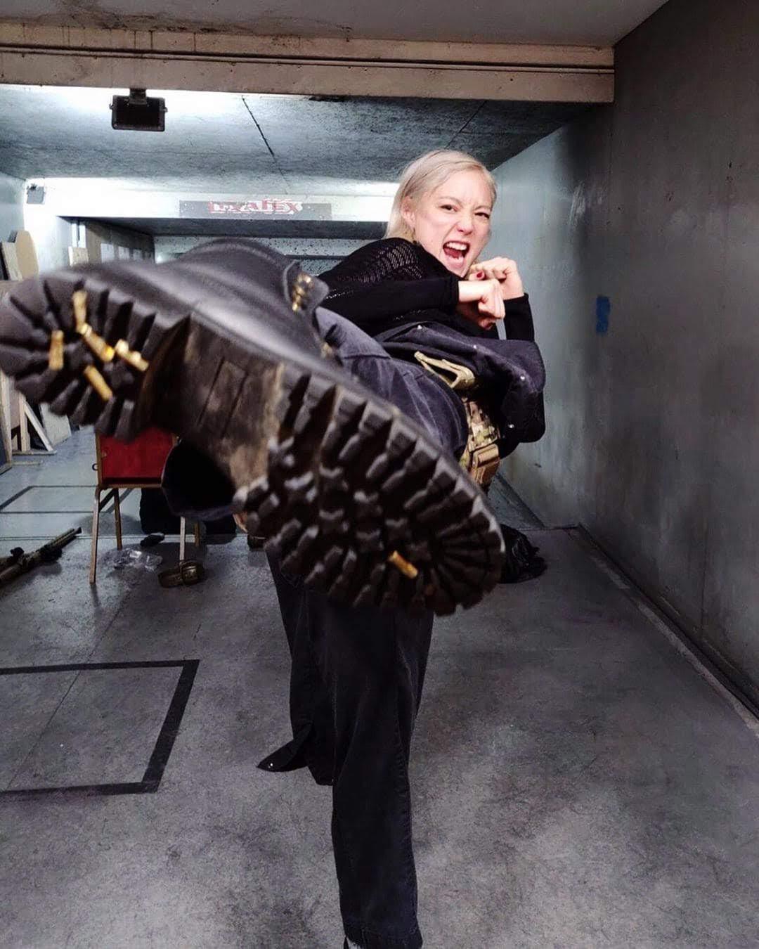 Mission Impossible : ポムちゃんキックを食らうがいい ! !、「ミッション : インポッシブル 7&8」の撮影開始に向けて、射撃の練習を始めたポマンティス ! !