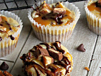 Snickers Cheesecake Bites