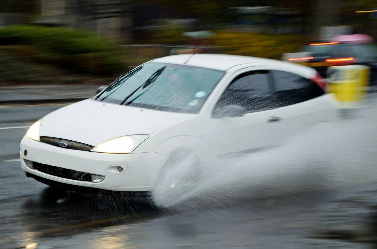 Apa Itu Aquaplaning Pada Mobil
