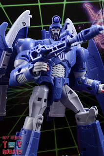 Transformers Studio Series 86 Scourge 02