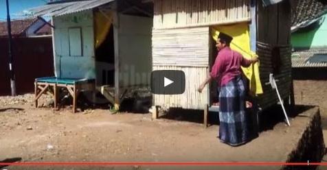 Gubuk Mungil Yang Ditutupi Dengan Kain Itu Ternyata Sebuah Pesantren (Video)