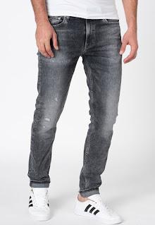 Мъжки Дънки по тялото - Calvin Klein