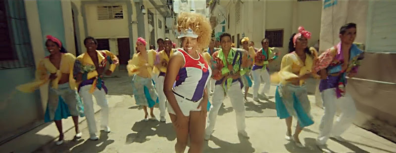 Yanela Brooks - ¨Cubanos por el mundo¨ - Videoclip - Dirección: Alejandro Pérez. Portal Del Vídeo Clip Cubano - 05