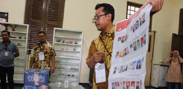 Ketika Pasien Sakit Jiwa Nyoblos; 'Saya Duluan Ya, Soalnya Datang Jauh dari Jakarta'