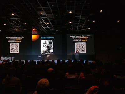 Canadian cognitive psychologist Steven Pinker delivering a talk in Bogotá, Colombia.