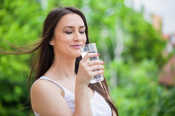 Understanding the Benefits of Drinking Water