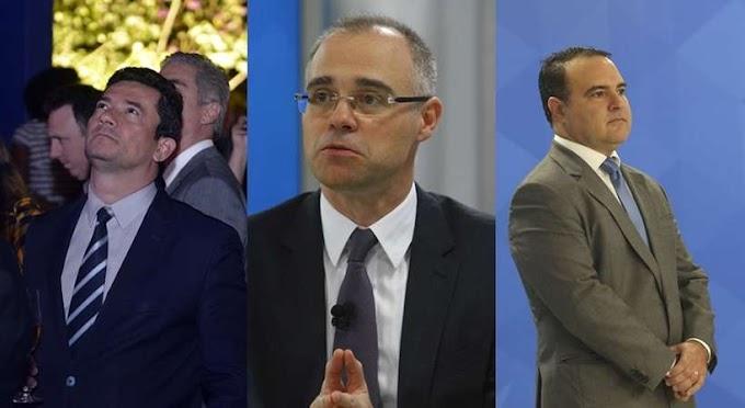 Bolsonaro encara desafio de escolher um novo ministro ao STF em novembro