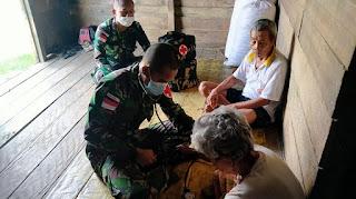 Peduli Masyarakat, Satgas Pamtas RI-MLY berikan Pelayanan Pengobatan Keliling kepada Masyarakat