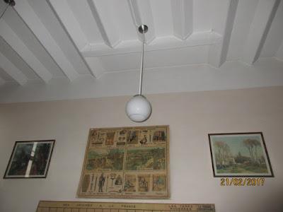 Globe d'éclairage (détail de la salle 1950 du musée)