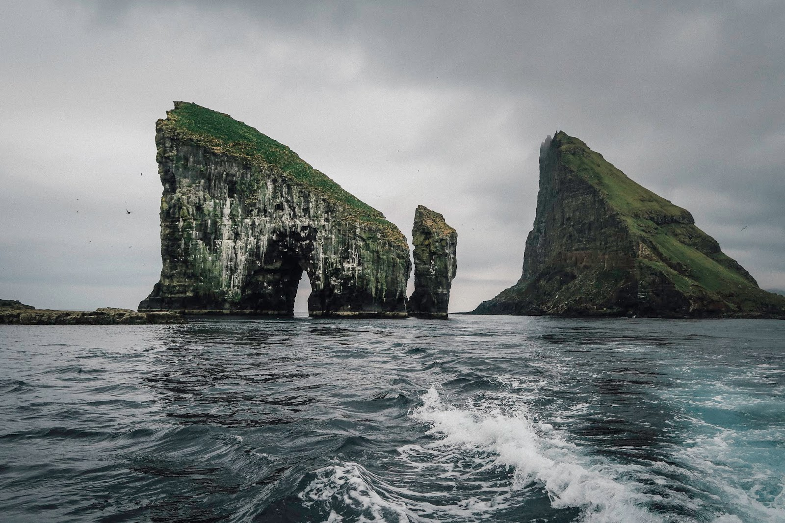 faroe islands sea stacks Drangarnir liquid grain liquidgrain hike
